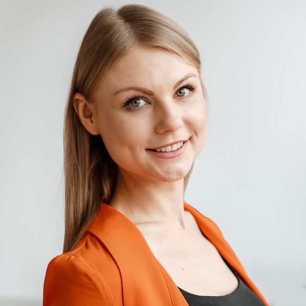 Portret młodej bizneswoman