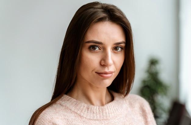 Portret młodej kobiety biznesu