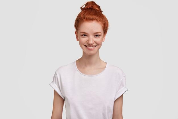 Portret młodej kobiety imbir