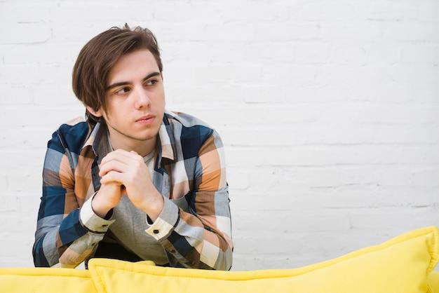 Portret nastoletni chłopak