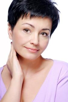 Portret piękna kaukaski kobieta brunetka