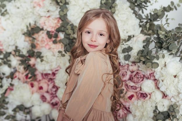 Portret piękna mała dziewczynka
