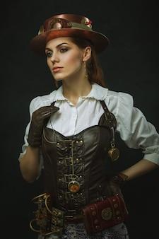 Portret pięknej kobiety steampunk