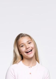 Portret pięknej młodej dziewczyny