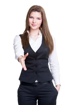 Portret pięknej młodej kobiety biznesu uśmiechnięty daje uścisk dłoni - na białym tle.