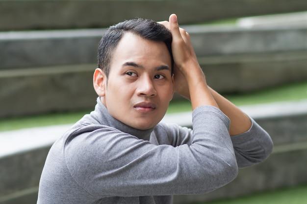 Portret pielęgnacji włosów człowieka, koncepcja pielęgnacji mężczyzny