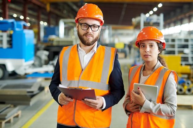Portret pracowników fabryki