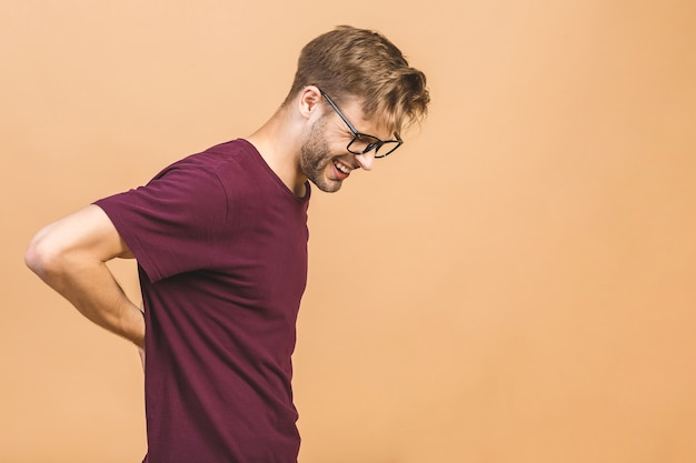 Portret przystojny mężczyzna w okularach