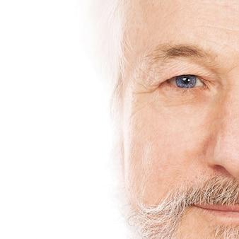 Portret przystojny starszy mężczyzna