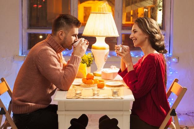 Portret romantycznej pary