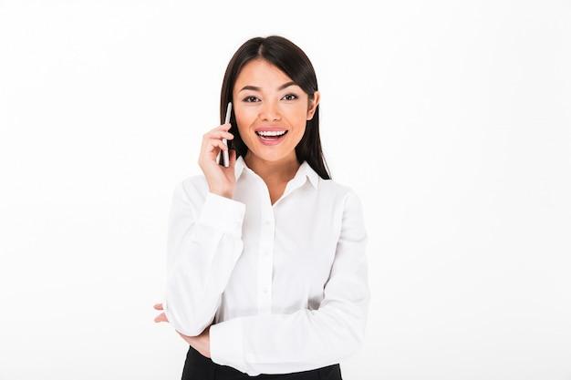 Portret roześmiany azjatykci bizneswoman