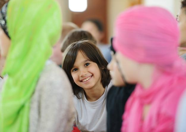 Portret śliczny uśmiechnięty dziecko