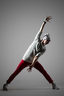 Portret studyjny breakdancer guy