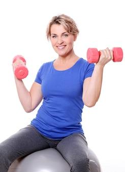 Portret szczęśliwa starzejąca się sportsmenka