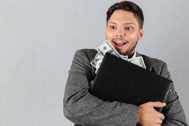 Portret szczęśliwy biznesmen