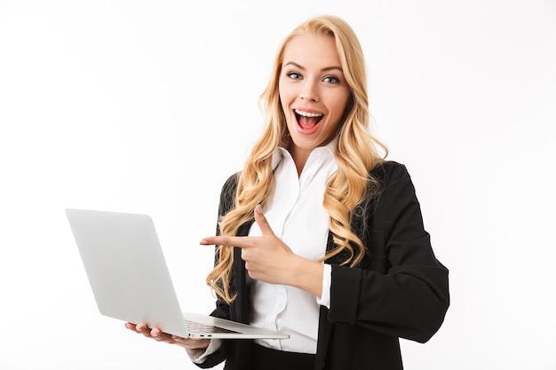 Portret szczęśliwy młody bizneswoman