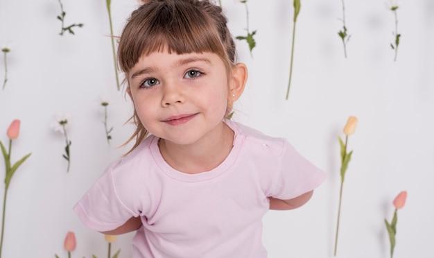 Portret urocza mała dziewczynka