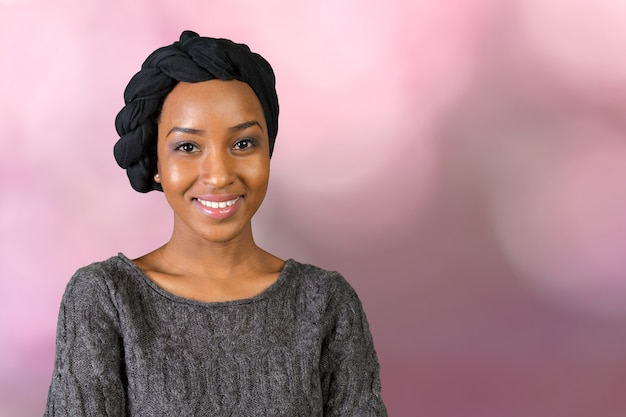 Portret uśmiechnięta african american woman