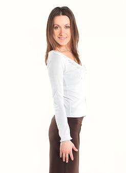 Portret uśmiechniętej kobiety biznesu. na białym tle. zdjęcie z miejscem na kopię
