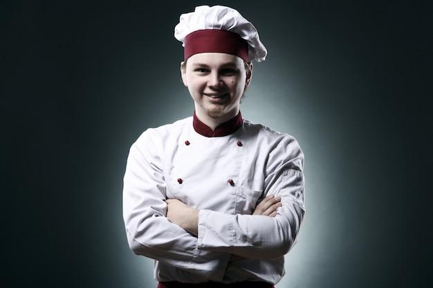 Portret uśmiechnięty szef kuchni