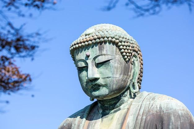 Posągi buddy w kamakura w japonii