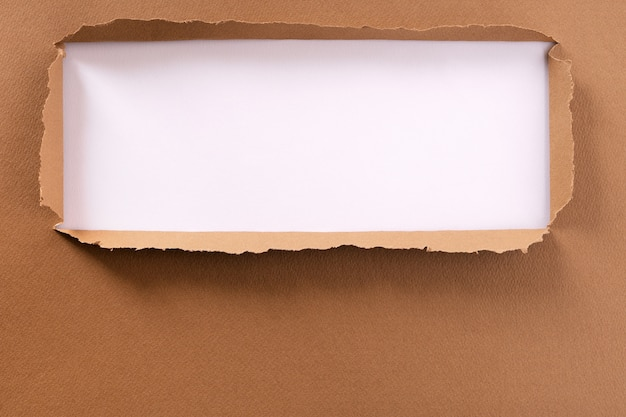 Poszarpana ramka tła brązowego papieru