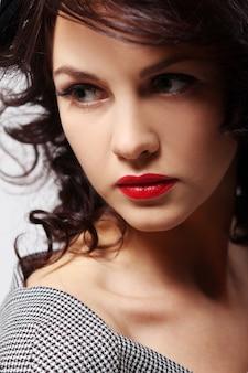 Potrait młodej pięknej kobiety