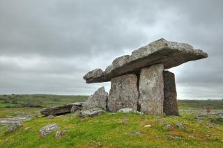 Poulnabrone dolmen hdr prymitywny