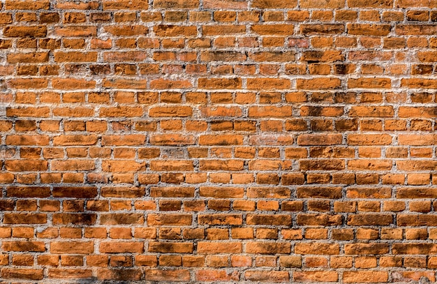 Powierzchnia ściany z czerwonej cegły