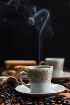 Powiew pary z kawy