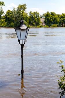 Powódź w magdeburgu, niemcy,