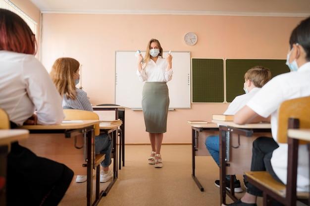 Powrót do szkoły podczas koncepcji covid