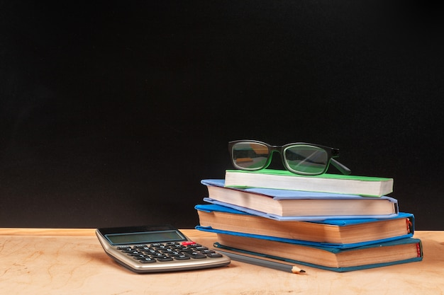 Powrót do szkoły szablon projektu, przybory szkolne i miejsca na tekst