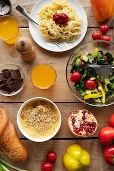Powyżej widok wyśmienitej aranżacji potraw