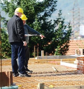 Praca i budowanie nowego projektu domu