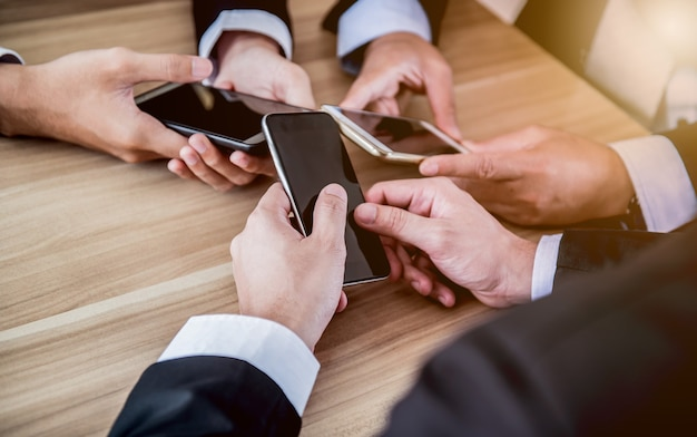 Praca na urządzeniach mobilnych dla celu biznesowego i sukcesu