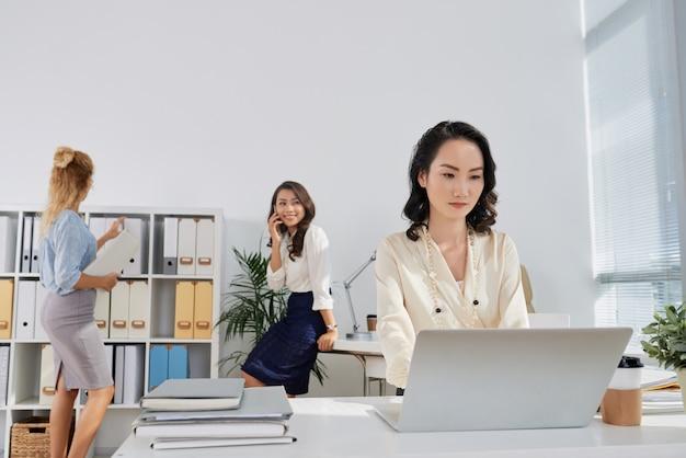 Praca w biurze