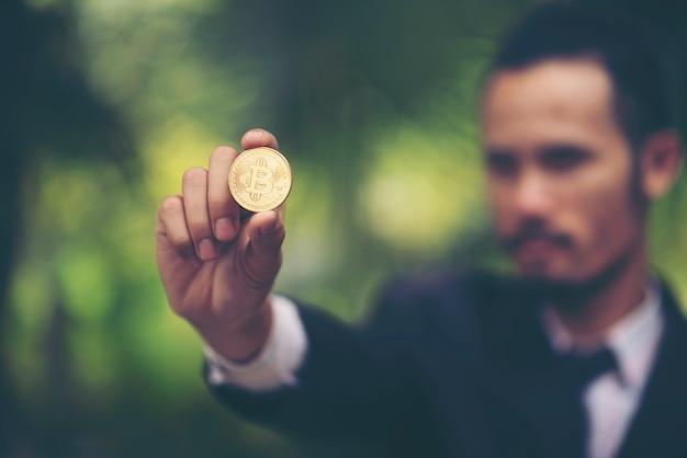 Praca z bitcoin, koncepcja biznesowa online