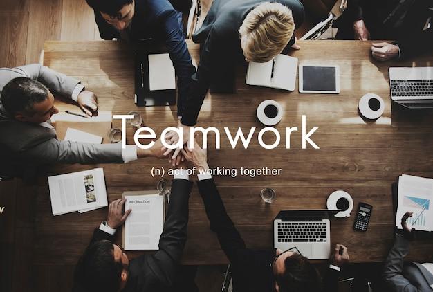 Praca zespołowa sojusz współpraca firma koncepcja zespołu
