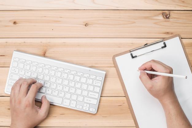 Pracownicy pisania