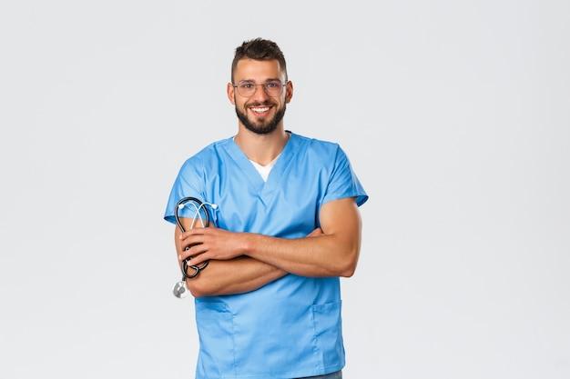 Pracownicy służby zdrowia, medycyna, covid-19 i koncepcja kwarantanny pandemicznej.