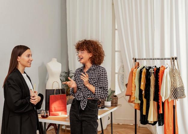 Pracowników sklepów odzieżowych