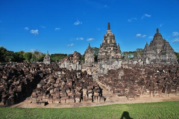 Prambanan to hinduska świątynia w yogyakarcie, jawa, indonezja