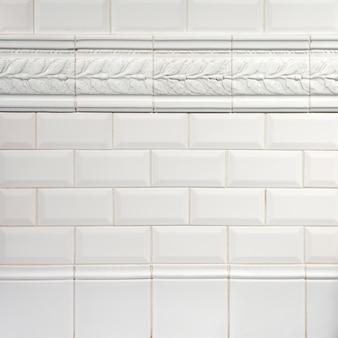 Prawdziwe naturalne białe dekoracyjne ceramiczne wnętrze tekstury tła
