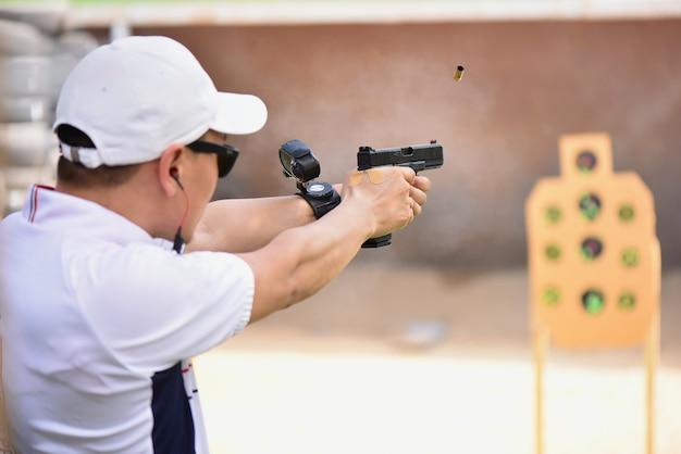 Prawdziwy widok konkurs strzelania z broni