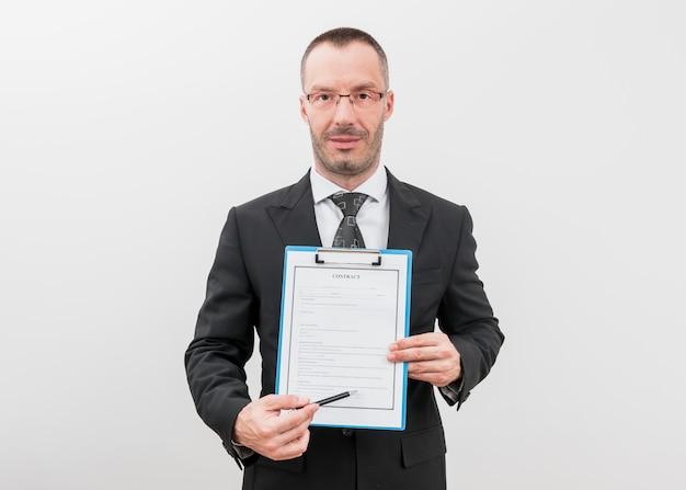 Prawnik z dokumentami