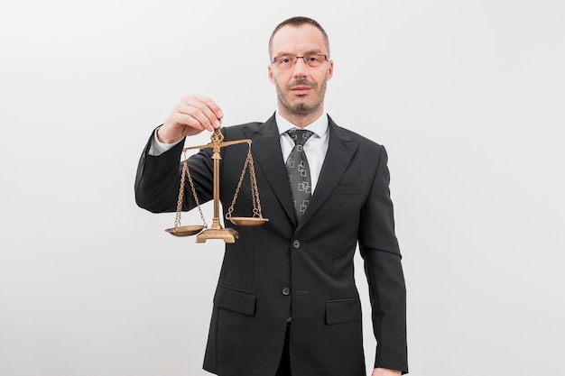 Prawnik z wagami