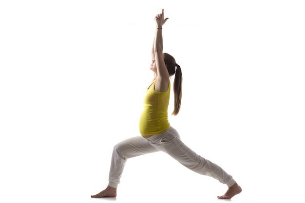 Prenatalna joga, virabhadrasana 1