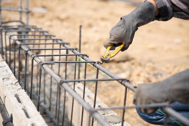 Pręt stalowy na miejscu budowy