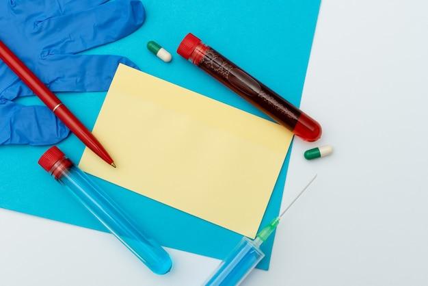 Prezentowanie leków na infekcje, zbieranie informacji medycznych, pisanie ważnych notatek, planowanie środków zapobiegawczych, przygotowywanie leków leczniczych, noszenie odzieży ochronnej